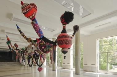 Joana Vasconcelos - exposição no Pavilhão Bosio