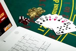 Uma figura do poker na Internet chega a acordo e enfrenta 15 anos de prisão