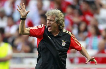 Treinadores portugueses dominam campeonato de futebol